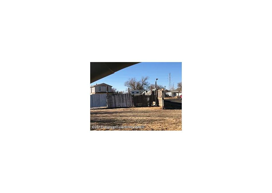 Photo of 2621 Ridgemere Blvd Amarillo, TX 79107