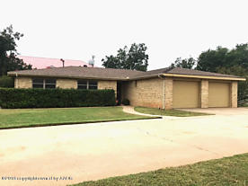 Photo of 2113 Williams Dr Childress, TX 79201