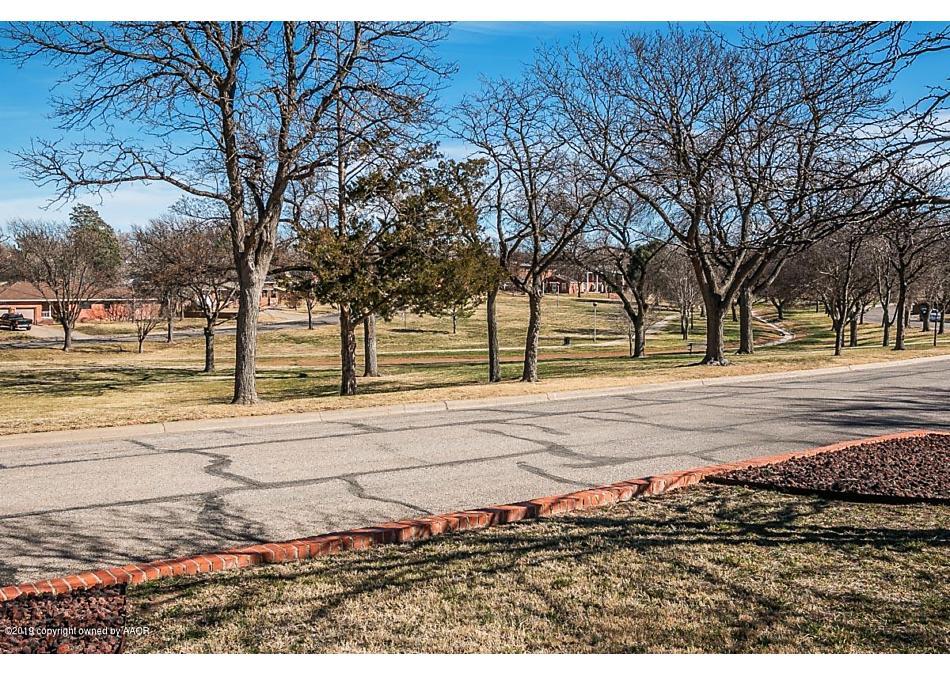 Photo of 111 Parkview Dr Amarillo, TX 79106