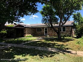 Photo of 1009 Loyola St Perryton, TX 79070