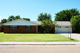 Photo of 723 Oak St Dimmitt, TX 79027