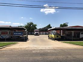Photo of 810 Main St Quanah, TX 79252