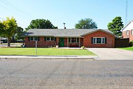 Photo of 605 Maple Dimmitt, TX 79027
