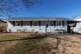 Photo of 1327 BLUEBELL ST Amarillo, TX 79108