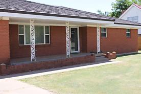 Photo of 1010 Park Ave Panhandle, TX 79068