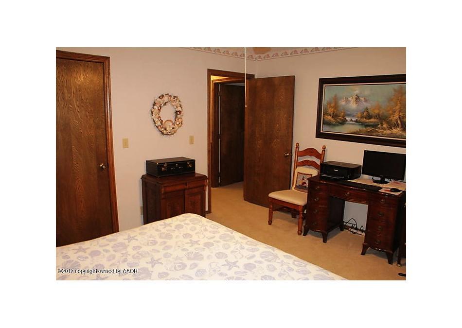 Photo of 2104 Vallejo Perryton, TX 79070