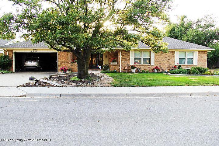 Photo of 2104 Vallejo Perryton, TX 79070