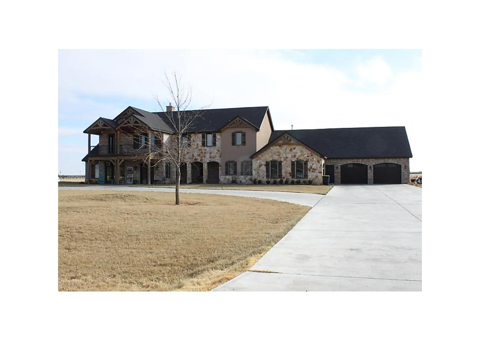 Photo of 1001 County Club Rd Panhandle, TX 79068