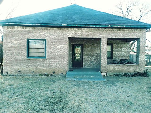 Photo of 212 Vine St Claude, TX 79019