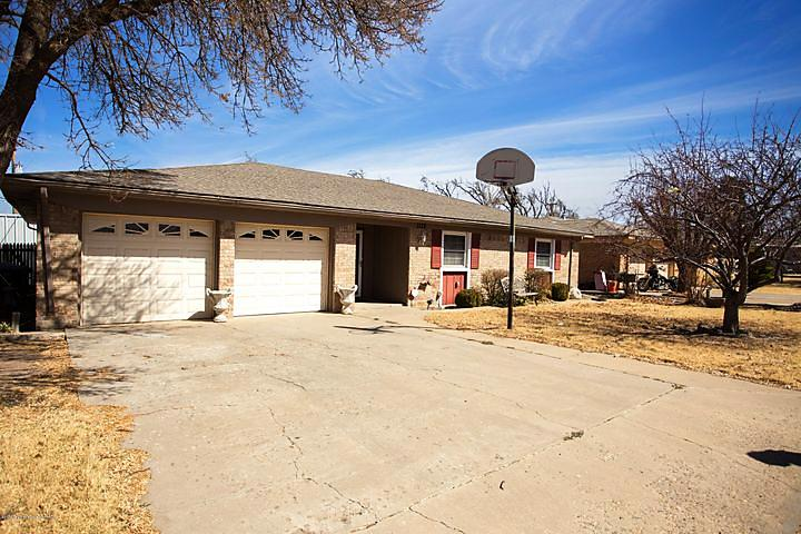 Photo of 1132 Coffee Dr Borger, TX 79007