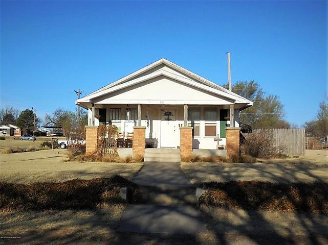 Photo of 701 Houston Street Shamrock, TX 79079