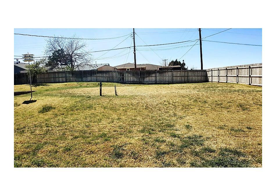Photo of 143 Parkview Dr Amarillo, TX 79106