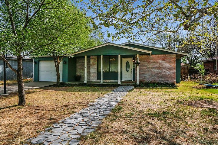 Photo of 3413 Fleetwood Dr Amarillo, TX 79109