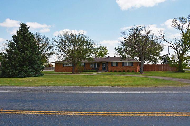 Photo of 1707 W Bedford St Dimmitt, TX 79027
