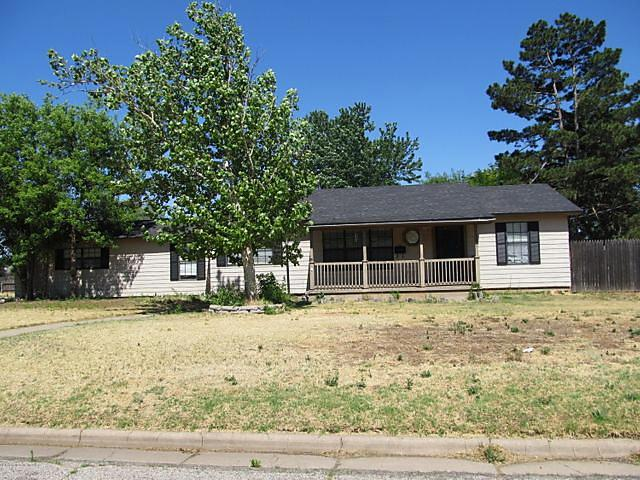 Photo of 1501 Beverly Dr Amarillo, TX 79106