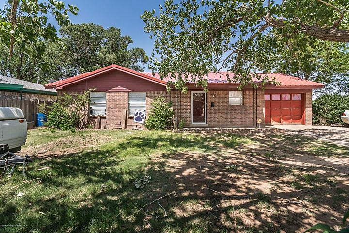 Photo of 627 5th St Dimmitt, TX 79027