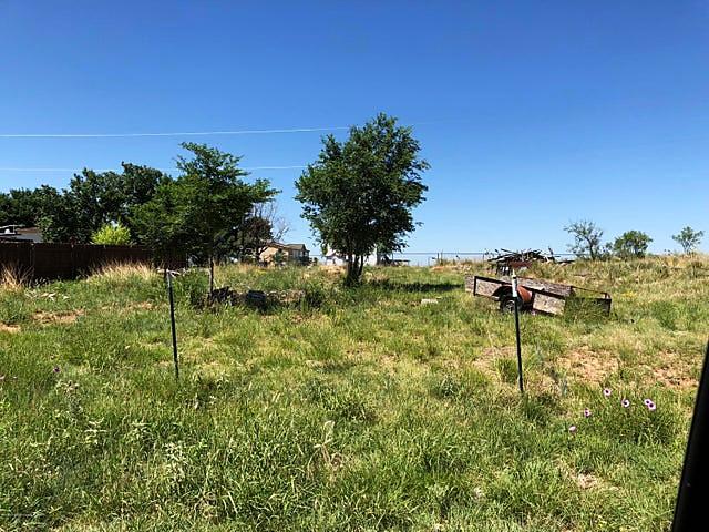 Photo of 135 Prairie Dr Fritch, TX 79036