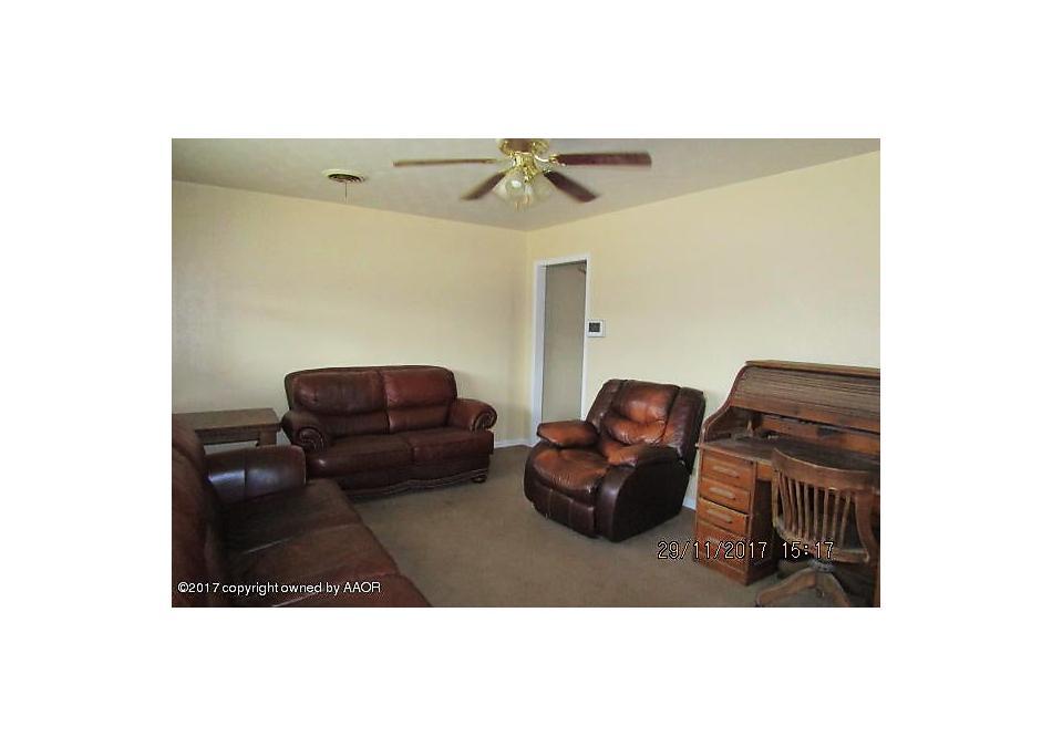 Photo of 718 Montana St Borger, TX 79007