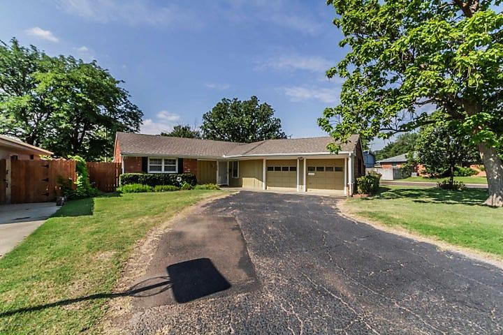 Photo of 4229 Emil Ave Amarillo, TX 79106