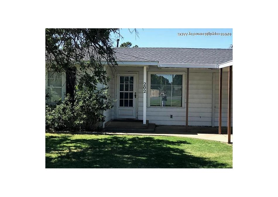 Photo of 202 Womble Gruver, TX 79040