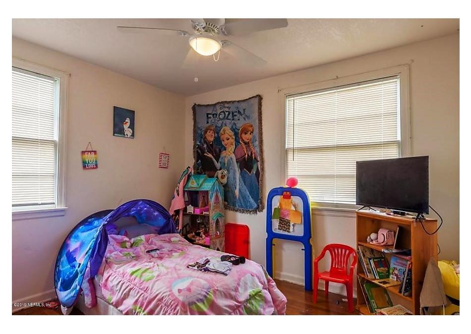 Photo of 6540 Ortolan Ave Jacksonville, FL 32216