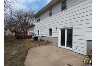 Photo of 510 Wheatland Dr Junction City, KS 66441