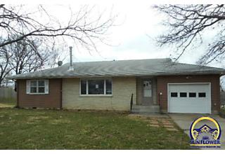 Photo of 219 Jones Dr Carbondale, KS 66414