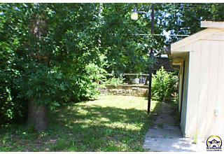 Photo of 1164 Sw Macvicar Ave Topeka, KS 66604