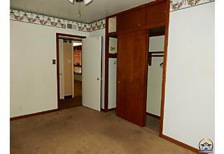 Photo of 1275 Sw Fillmore St Topeka, KS 66604