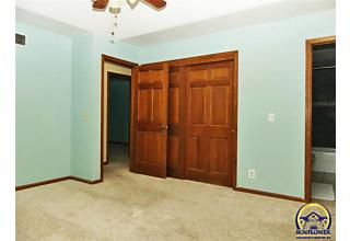 Photo of 3751 Sw Canterbury Town Rd Topeka, KS 66610