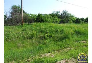 Photo of 1400 Sw 57th St Topeka, KS 66609