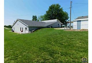 Photo of 23590 T Rd Holton, KS 66436