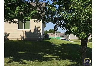 Photo of 520 Highland Grove Dr Manhattan, KS 66503