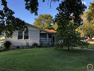 Photo of 1202 W 5th St Holton, KS 66436