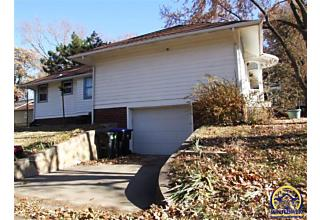 Photo of 1730 Nw Grove Ave Topeka, KS 66606