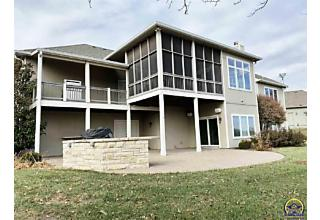 Photo of 4512 Sw Lincolnshire Rd Topeka, KS 66610