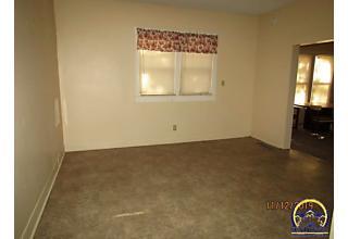 Photo of 834 Sw Clay St Topeka, KS 66606