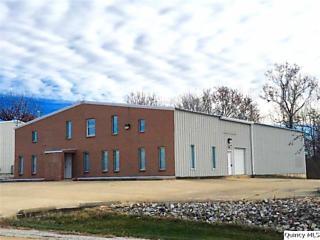 Photo of 2408 W Schneidman Drive Quincy, IL 62305