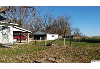 Photo of 314 Lindsey Versailles, IL 62378