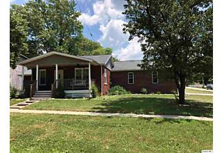 Photo of 306 Nw Cross Mt. Sterling, IL 62353