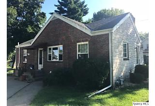 Photo of 2209 Locust Quincy, IL 62301