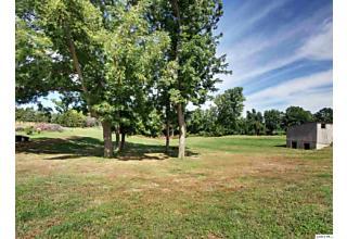 Photo of 411 Kochs Ln Quincy, IL 62305