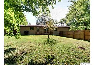 Photo of 2315 Hill Rd Quincy, IL 62305