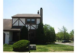 Photo of 22 Chesterfield Way Sayreville, NJ 08872