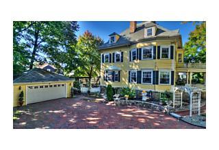 Photo of 118 Bellevue Ave Melrose, Massachusetts 02176