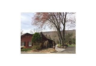 Photo of 10   Sky Meadow Road Suffern, NY 10901