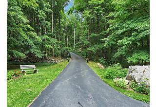 Photo of 777   Peekskill Hollow Road Putnam Valley, NY 10579