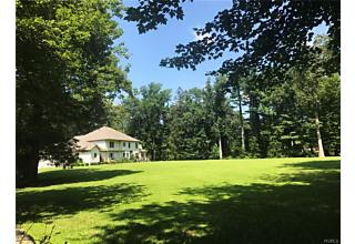 Photo of 86 West Road Pound Ridge, NY 10576