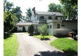 Photo of 7 Reynolds Way Wappingers Falls, NY 12590