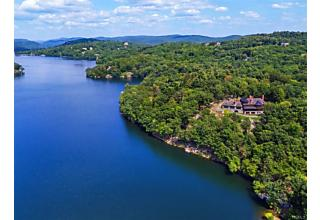 Photo of 194 East Lake Road Tuxedo Park, NY 10987